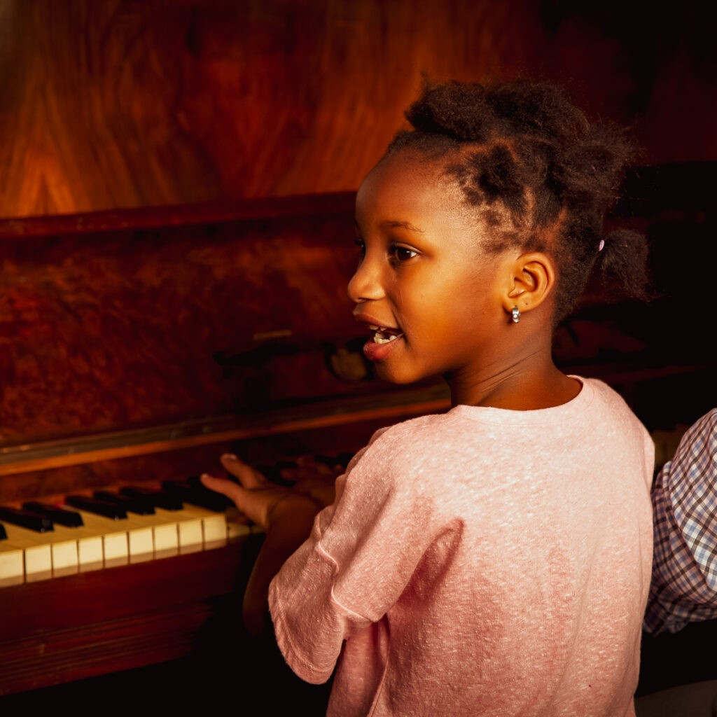 little girl, piano